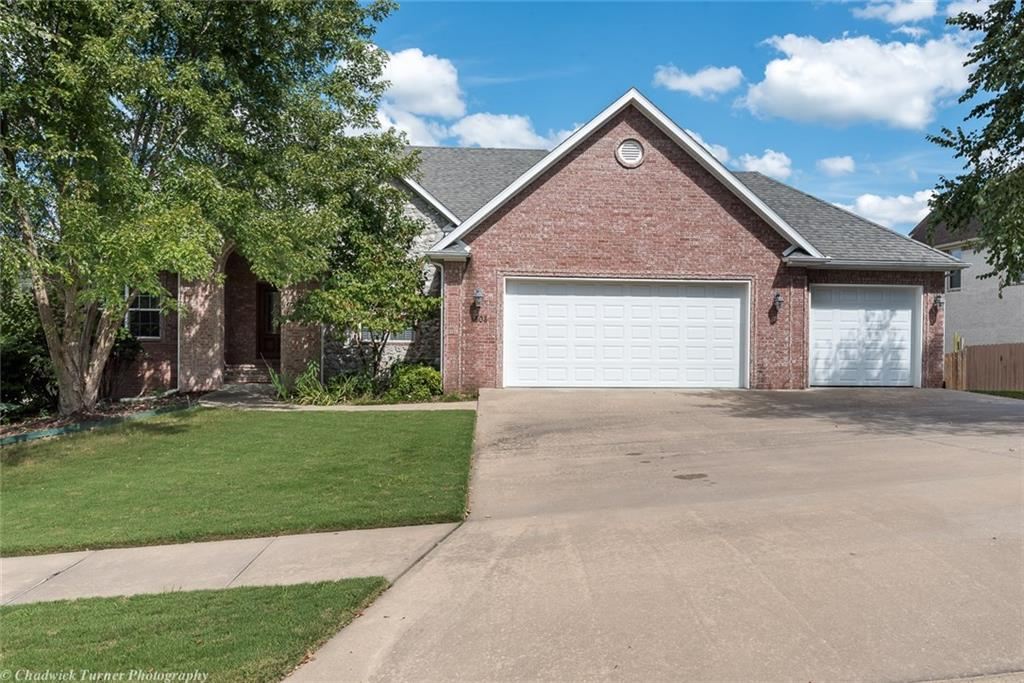 3808 NW Riverbend RD, Bentonville, AR 72712