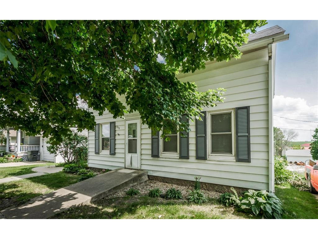305 W 1st Street, Mechanicsville, IA 52306