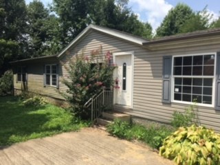 909 Sand Hill Rd, Livermore, KY 42352