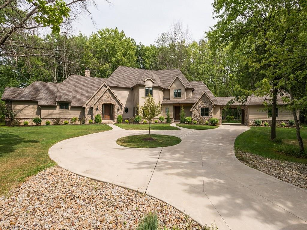 3691 Bradley Rd, Westlake, OH 44145