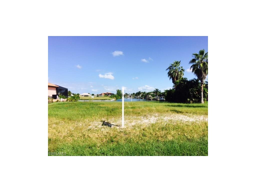 2911 W Beach PKY, CAPE CORAL, FL 33914