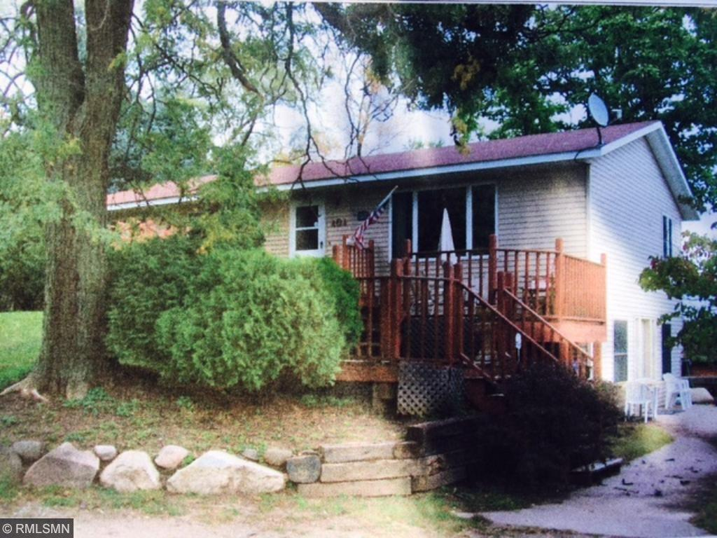 404 Lake Elmo Avenue N, Lake Elmo, MN 55042