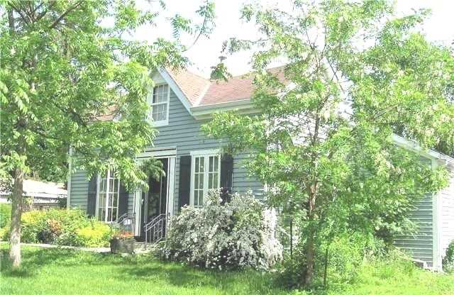 235 Water St, Cobourg, ON K9A 1R3
