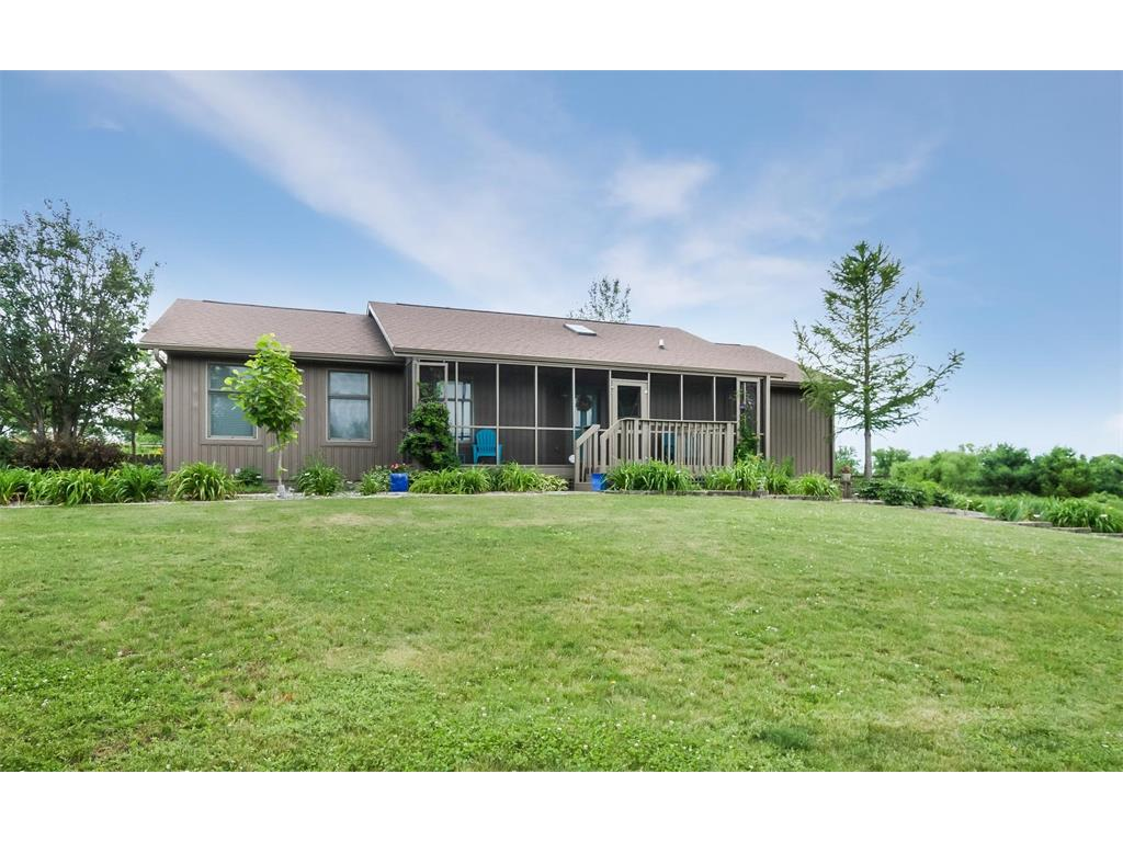 5031 N Marion Road, Central City, IA 52214