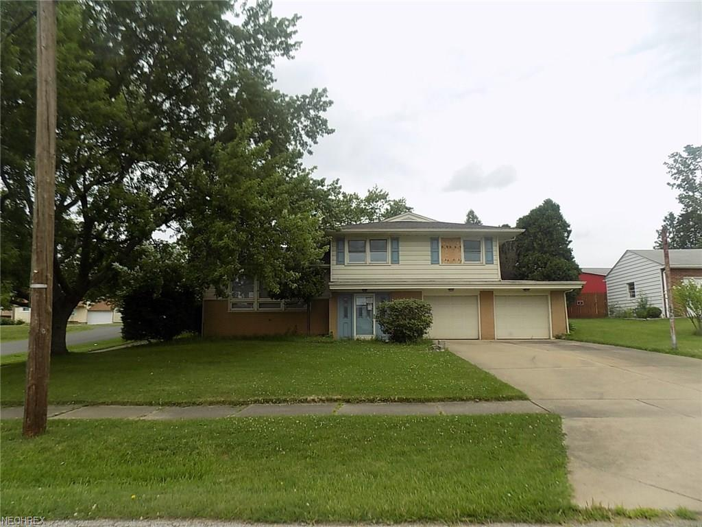 402 Parkview Dr, Girard, OH 44420