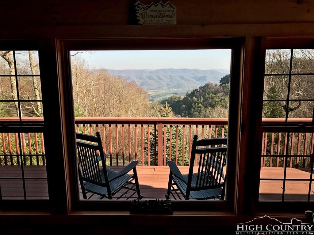 379 Cherokee Cove Private Dr., Mountain City, TN 37683