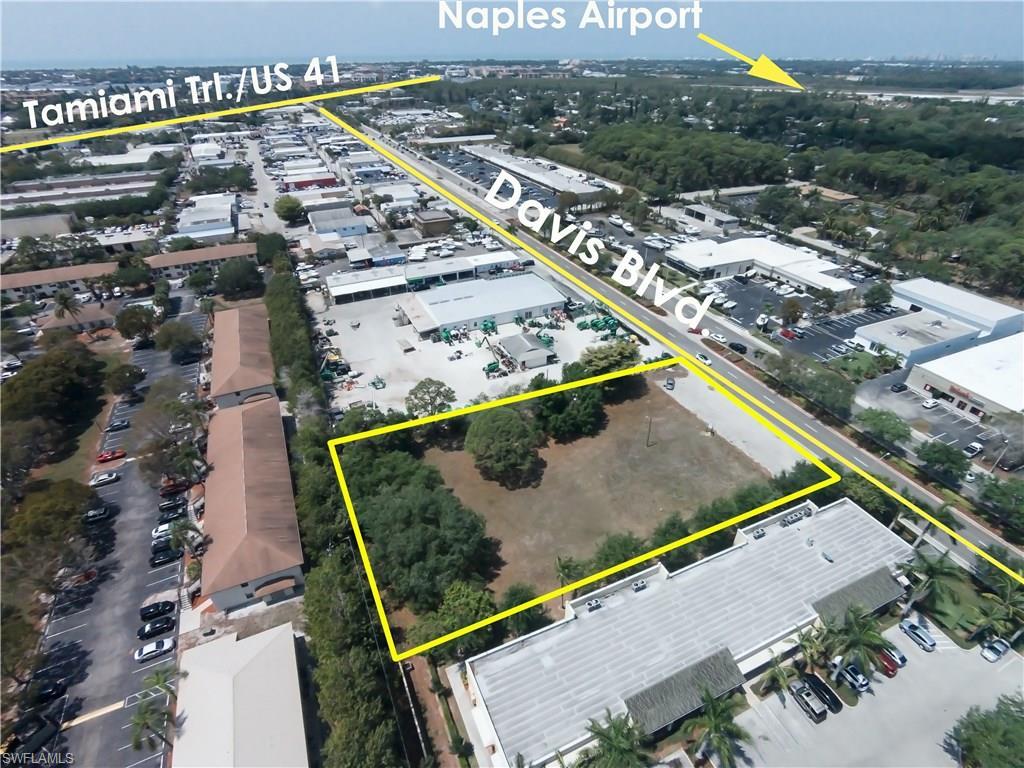 2672 DAVIS BLVD, NAPLES, FL 34104