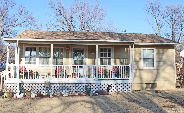 420 Purdue Avenue, Salina, KS 67401