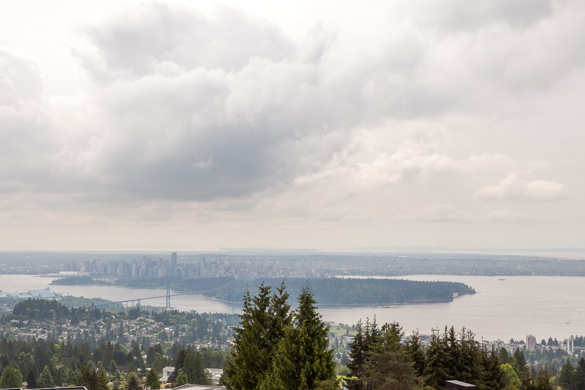 1448 CHARTWELL DRIVE, West Vancouver, BC V7S 2S1
