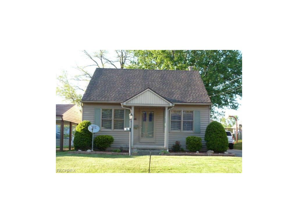 45 W Lewis St, Struthers, OH 44471