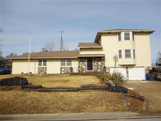 544 E SPRUCE Street, Olathe, KS 66061
