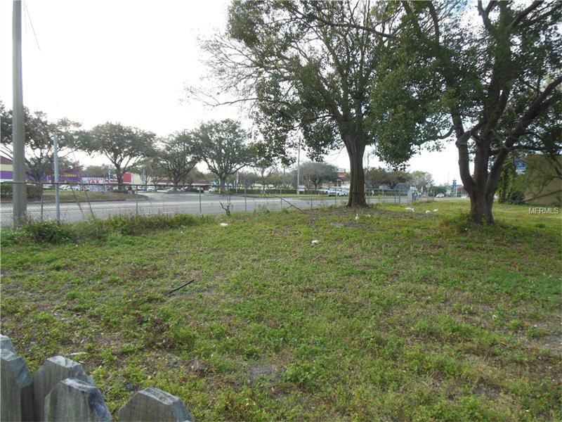1809 JAMES L REDMAN PARKWAY, PLANT CITY, FL 33563
