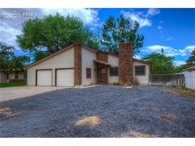 77 Pennwood Lane, Pueblo, CO 81005