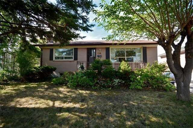 7208 Hermitage Rd, Mississauga, ON L4T 2S4
