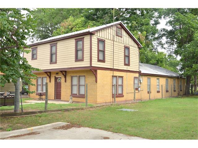 1306 Farm St, Bastrop, TX 78602