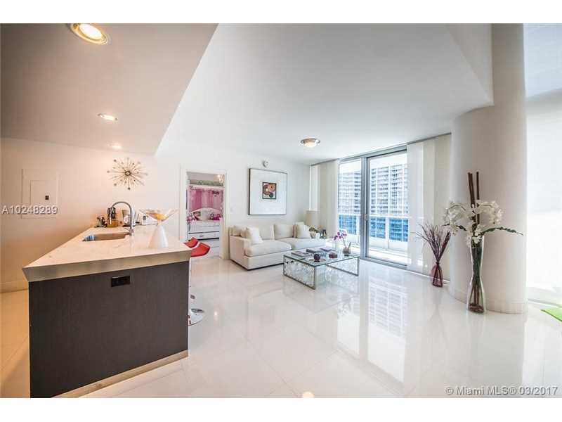 200 Biscayne Boulevard W 1105, Miami, FL 33131