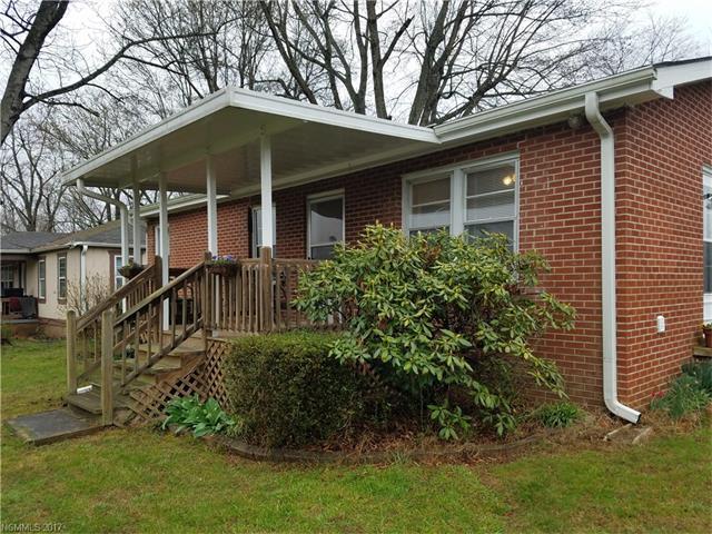 114 Maplewood Knoll Drive, East Flat Rock, NC 28726