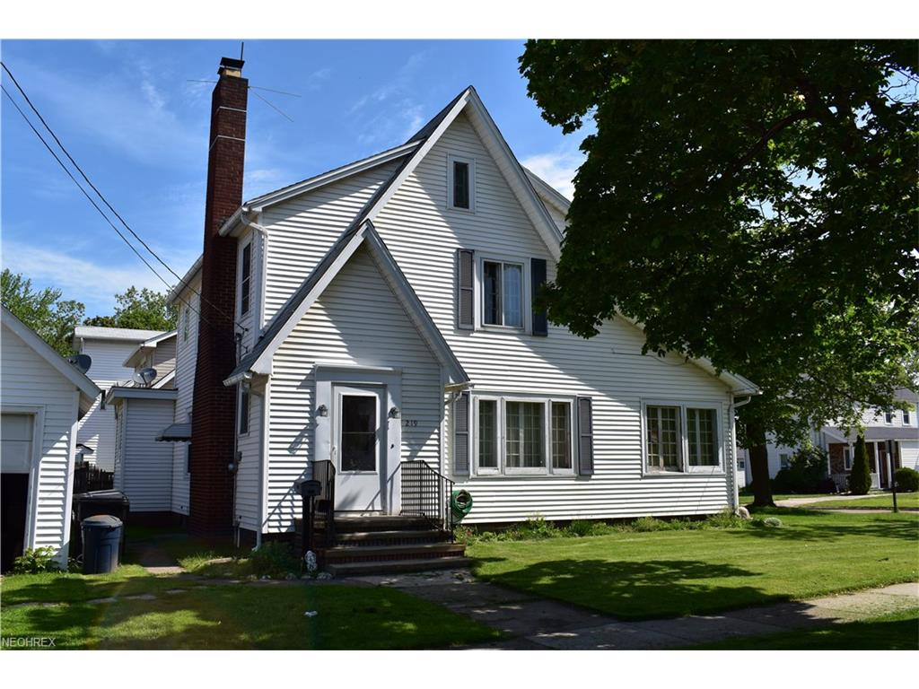 219 2nd St, Fairport Harbor, OH 44077