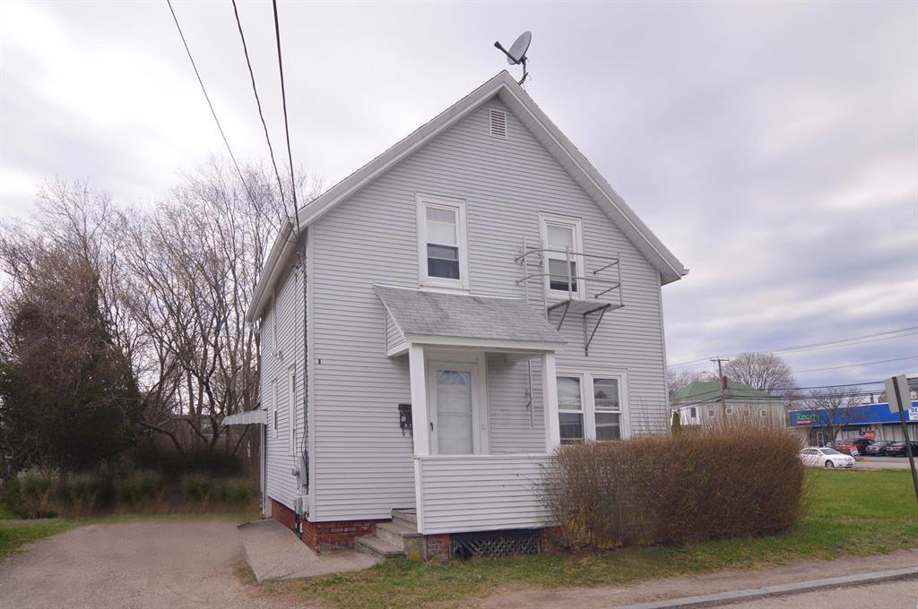 9 Laura ST, East Providence, RI 02914