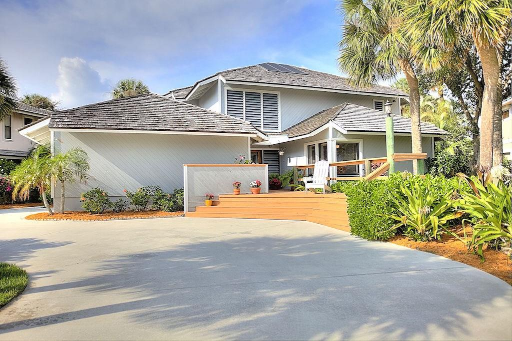 4090 NE Joes Point Road, Stuart, FL 34996