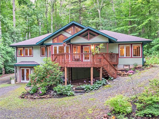 15 Leannas Way, Asheville, NC 28805