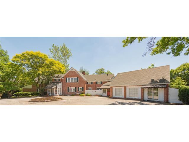 1701 WynBrick Drive, Liberty, MO 64068