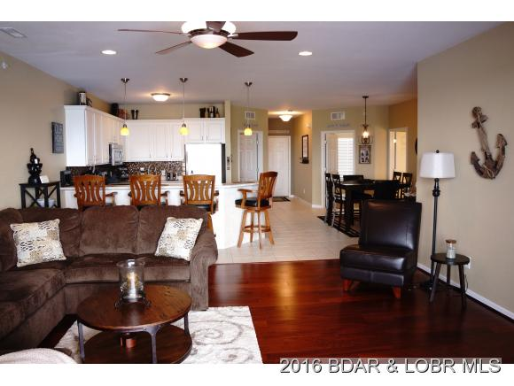 1220 Lands End Pkwy 208, Osage Beach, MO 65065
