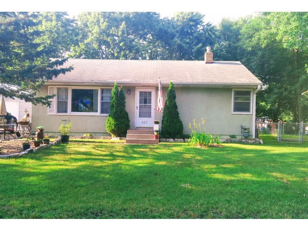 207 Bellwood Avenue, Maplewood, MN 55117