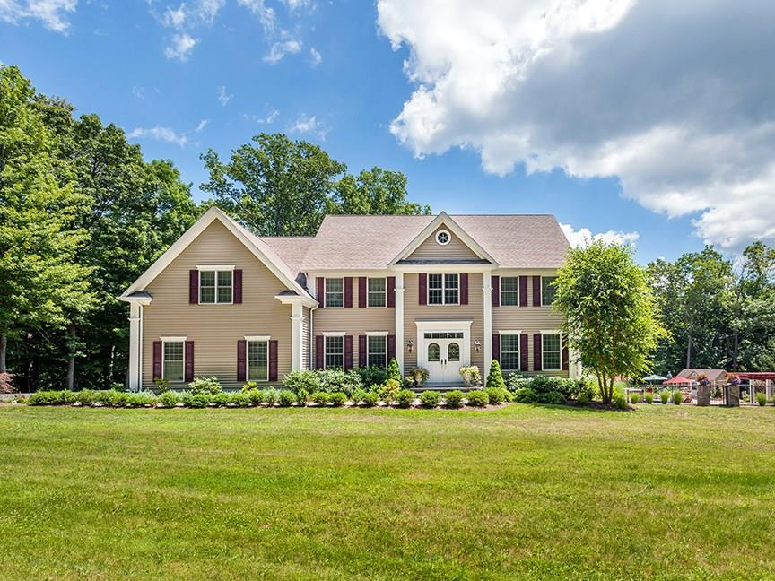 2 Fawn Crest Drive, New Fairfield, CT 06812