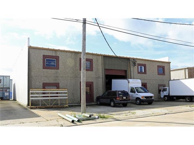 1025 E HARIMAW Court, Metairie, LA 70001