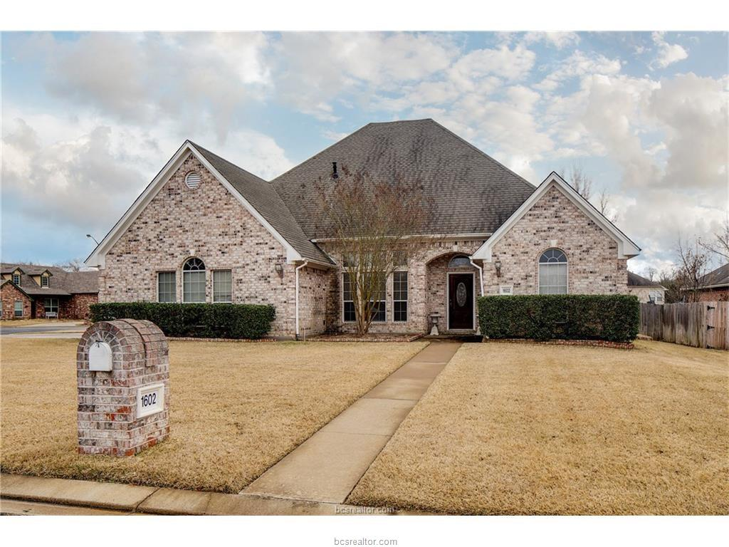 1602 Leopard Lane, College Station, TX 77840