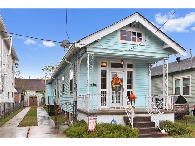 8534 APRICOT Street, New Orleans, LA 70118