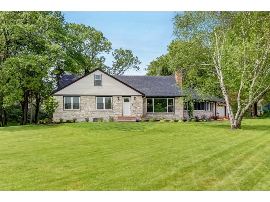 2081 Indiana Avenue N, Golden Valley, MN 55422