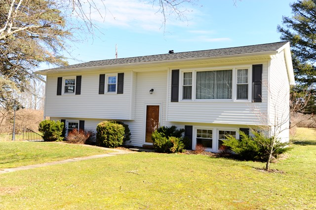 38 Middle Road, Horseheads, NY 14845