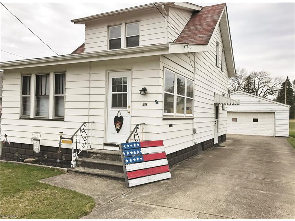 15 W Haywood Ave, Struthers, OH 44471