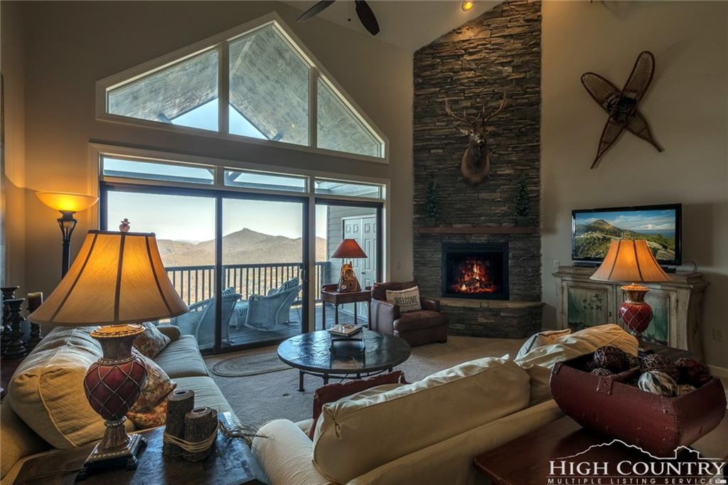 354 Ridgeline Drive, Sugar Mountain, NC 28604