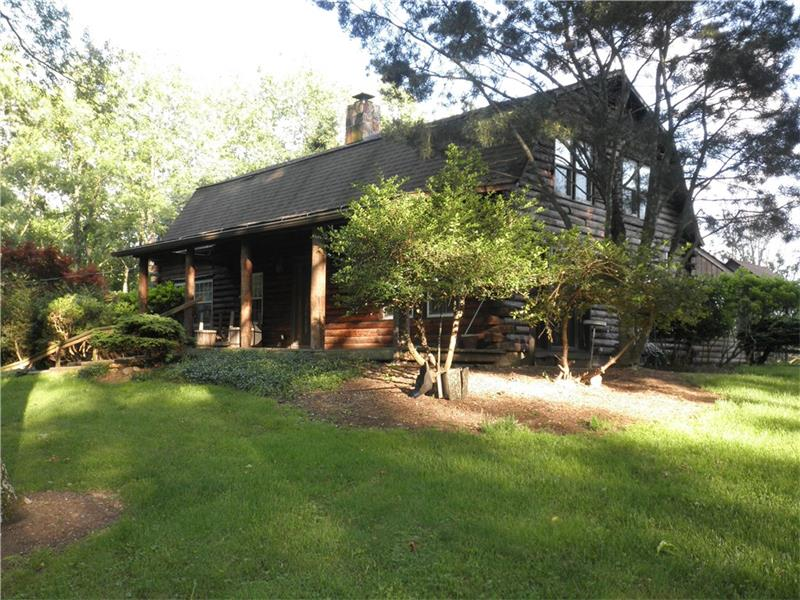 32 Champagne Rd, Eighty Four, PA 15330