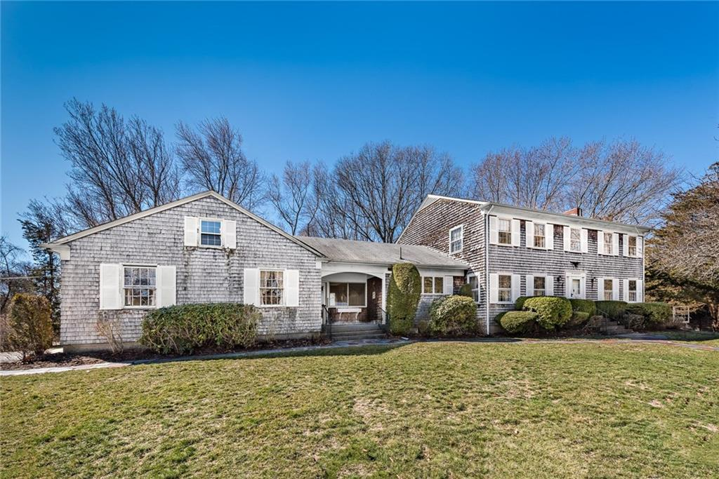 1 Carver RD, Barrington, RI 02806