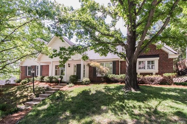 391 Greentrails Drive S, Chesterfield, MO 63017
