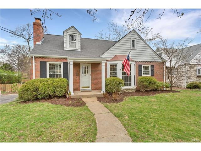 9 Holly Drive, Webster Groves, MO 63119