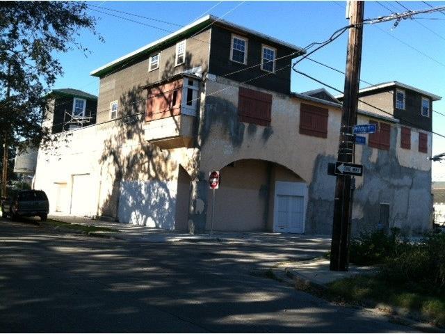 6911 PRITCHARD Place, NEW ORLEANS, LA 70125