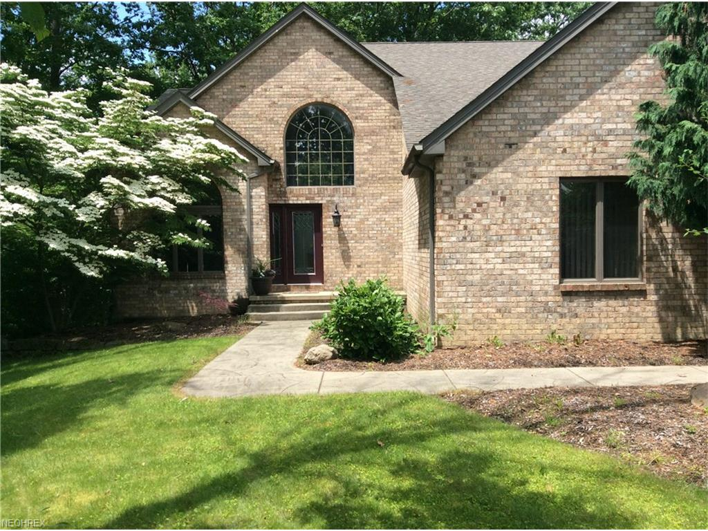 370 Wilcox Rd, Youngstown, OH 44515