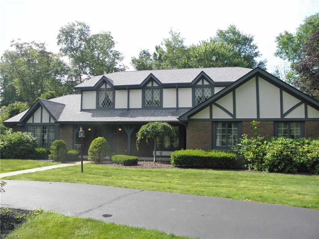 3795 Barber Dr, Canfield, OH 44406
