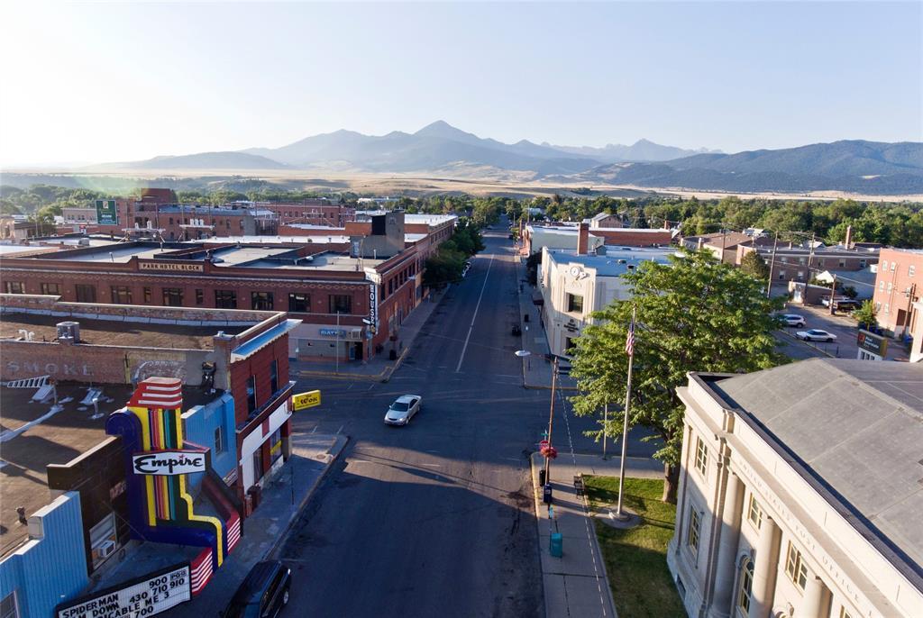 102 N 2nd Street N, Livingston, MT 59047