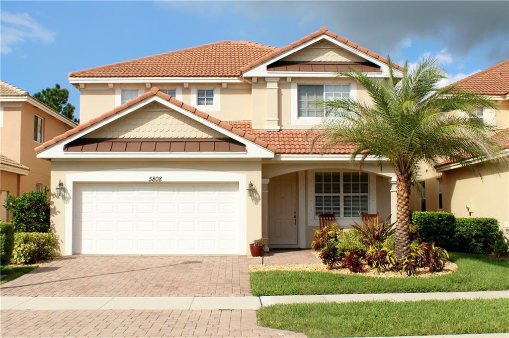 5808 SE Crooked Oak Avenue, Hobe Sound, FL 33455