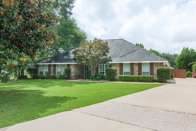 16274 Macbeth Lane, Foley, AL 36535