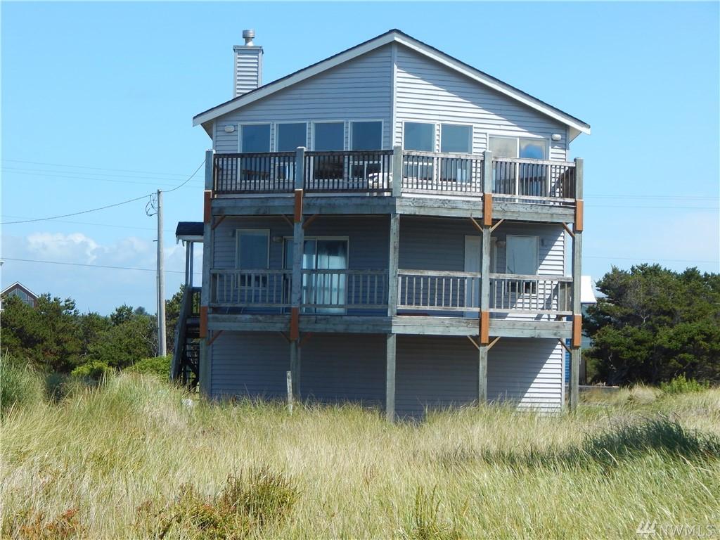 1083 Ocean Shores Blvd SW, Ocean Shores, WA 98569