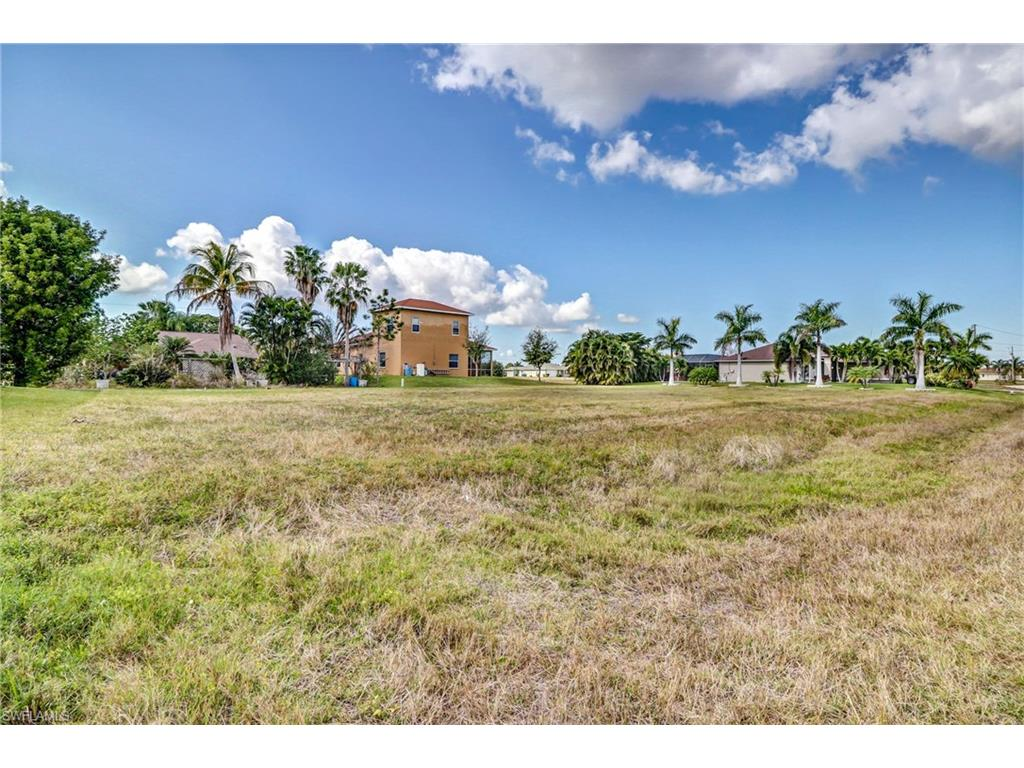118 NW 29th AVE, CAPE CORAL, FL 33993