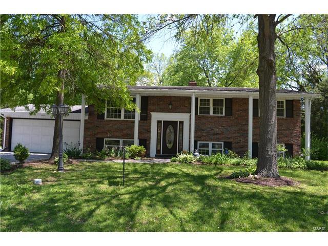 10618 Roxanna Drive, St Louis, MO 63128