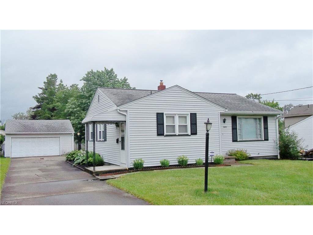 2695 Mary Jane Dr, Girard, OH 44420